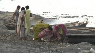 Kanpur India  city photo : Kanpur, India: Ganges Under Threat (HD)