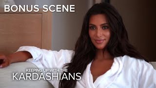 Video KUWTK | Is Khloé Kardashian Keeping a Secret From Kim? | E! MP3, 3GP, MP4, WEBM, AVI, FLV Juni 2018