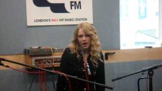 Taylor Swift Live Accoustic Performance of Love Story