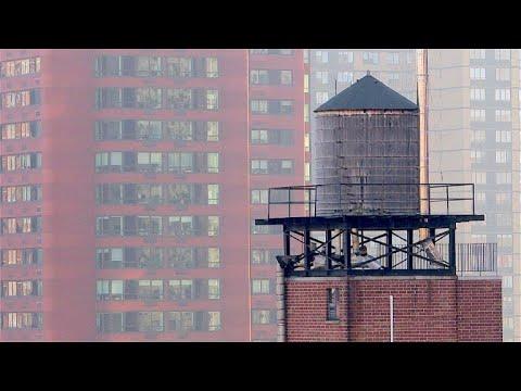 New York: Warum Wassertanks seit Jahrhunderten Kult ...