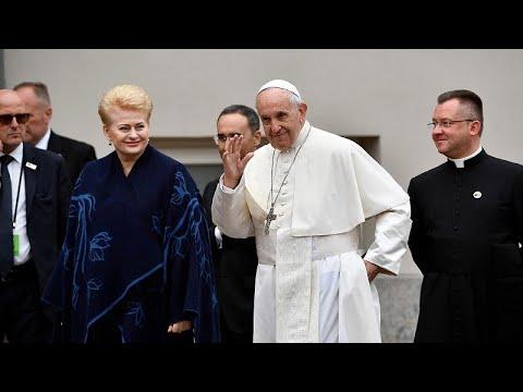 Αιχμές Πάπα Φραγκίσκου για το προσφυγικό