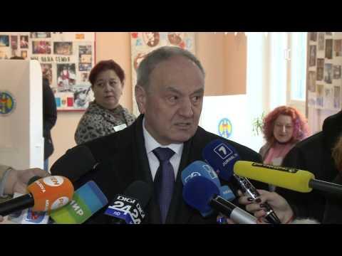Președintele Nicolae Timofti a făcut un apel către cetățeni să iasă la vot pentru a decide viitorul țării