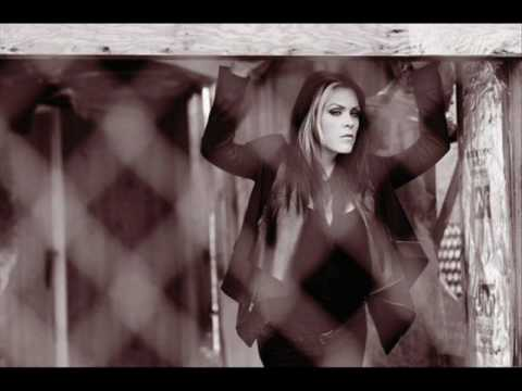 Tekst piosenki Beth Hart - Like You (And Everyone Else) po polsku