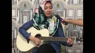 Video Istri wakil Bupati Soppeng Piawai Main Gitar MP3, 3GP, MP4, WEBM, AVI, FLV Maret 2018