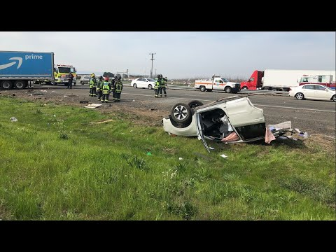 Wreckage strewn across I-80 after semi crashes through center divide, collides with vehicles | RAW