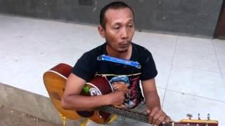Video Iwan Fals bayar Hutang seorang pengamen. MP3, 3GP, MP4, WEBM, AVI, FLV Juli 2018