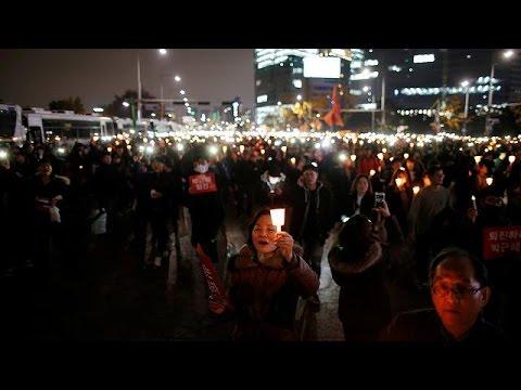Σεούλ: Μαζική διαδήλωση με αίτημα την παραίτηση της προέδρου