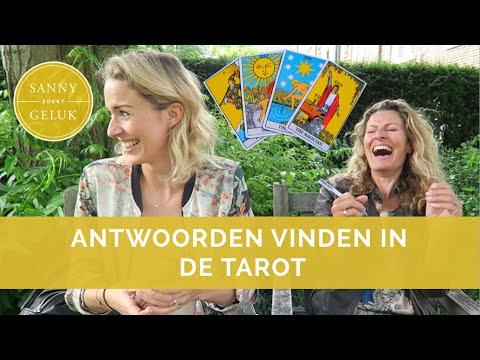 Tarotkaarten Leggen Wat Is Het En Hoe Geeft Het Je Antwoorden Sanny Zoekt Geluk
