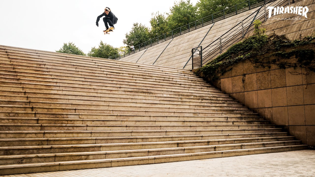 JAWS VS THE LYON 25 STAIR – WOW