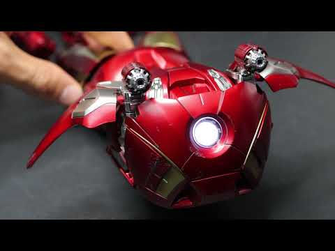 "Hot Toys ""Iron Man Mark 7 Suit Pod Mode """