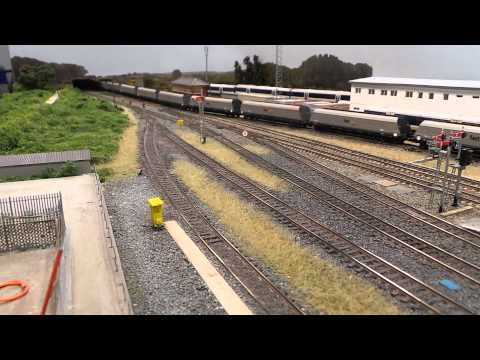 Fastline 66 passing through Banbury