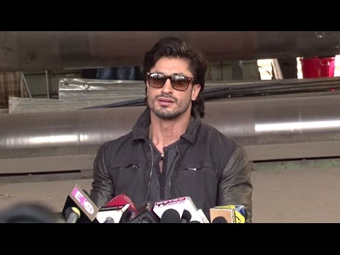 Video Vidyut Jamwal's SHOCKING Comment On the Recent Jat Agitation In India download in MP3, 3GP, MP4, WEBM, AVI, FLV January 2017