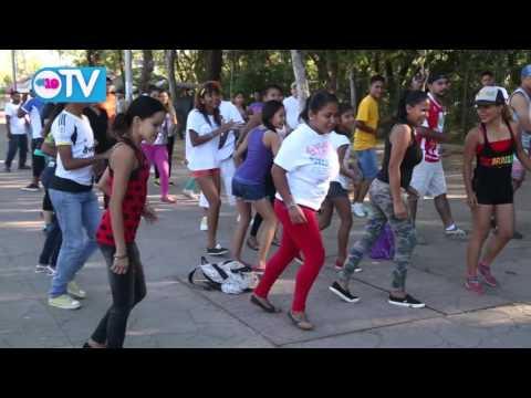 Capitalinos se suman a mañanas deportivas en Avenida de Bolívar a Chávez