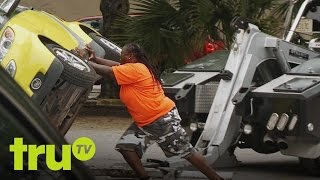 Video South Beach Tow - Rapping Smart Car Owner Makes Stupid Mistake MP3, 3GP, MP4, WEBM, AVI, FLV Agustus 2017