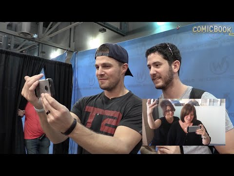 Stephen Amell Surprises A Fan For Mother's Day