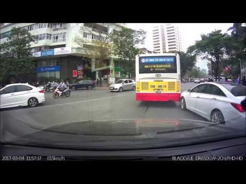 camera hành trình hàn quốc blackvue - SONATA gặp xe BUS tạt đầu