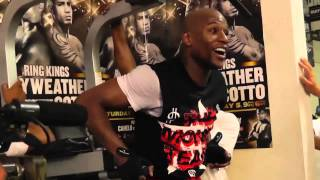 Floyd Mayweather Vs Manny Pacquiao - Drake Pacquiao Is Family  EsNews