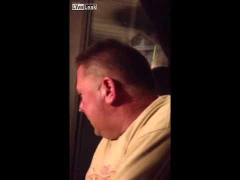 Cmendet njeriu pasi ja mbyllin deren ne erresire te nates (video)