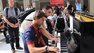 Video Improvisation at the train station in paris! MP3, 3GP, MP4, WEBM, AVI, FLV Juli 2019