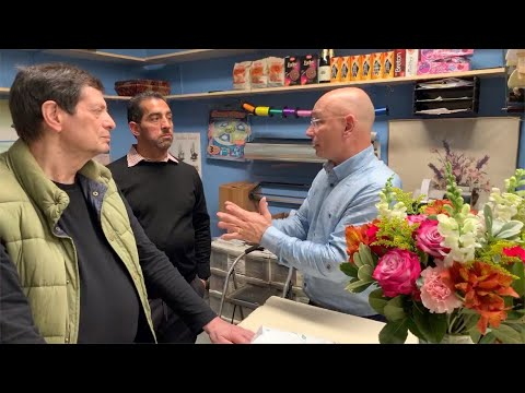 ANTHONY MELCHIORRI HELPS FAILING FLORIST BUSINESS