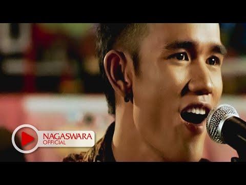 Sembilan Band - Cemara - Official Music Video - Nagaswara