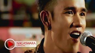 Sembilan - Cemara (Official Music Video NAGASWARA) #music