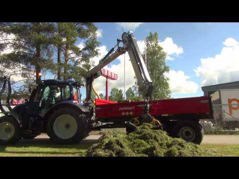 KESLA 304T: Collecting lawn waste with gravel buckets
