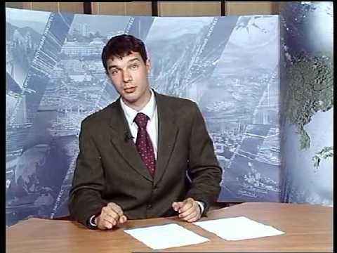Смешной парень телеведущий - держать себя в руках!