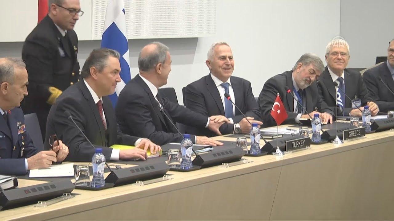 Συνάντηση των υπουργών Άμυνας, Ελλάδας και Τουρκίας στις Βρυξέλλες