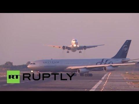 Avion Ruso evita Choque contra Avion Argentino (Barcelona)