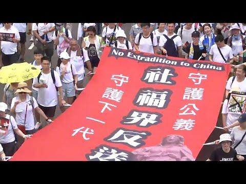 Χονγκ Κονγκ: Σοβαρές συγκρούσεις αστυνομίας – διαδηλωτών…