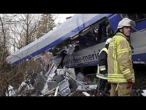 Γερμανία: Σφοδρή σύγκρουση τρένων με νεκρούς και τραυματίες
