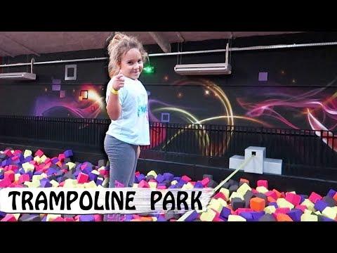 TRAMPOLINE PARK : Cap ou pas Cap ? 😀  / Family Vlog