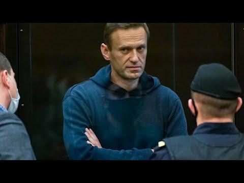 L'opposant russe Alexeï Navalny condamné à trois ans et demi de prison ferme