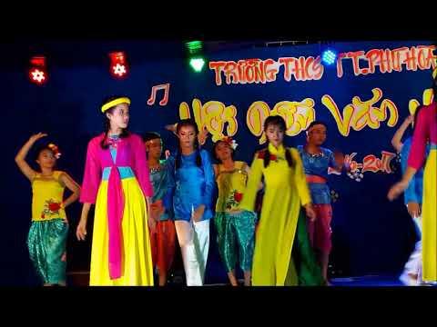 34 Vui mùa hội 9A3 THCS TT Phú Hòa