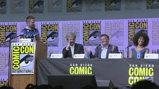 "In this highlight from the Doctor Who Hall H panel at San Diego Comic-Con 2017, showrunner Steven Moffat explains the difference between 'The Doctor' and 'Doctor Who'. Subscribe now: http://bit.ly/1aP6Fo9The Doctor (Peter Capaldi) is an alien Time Lord from the planet Gallifrey who travels through all of time and space in his TARDIS with his companion. Instead of dying, the Doctor is able to """"regenerate"""" into a new body, taking on a new personality with each regeneration.Twitter: http://twitter.com/doctorwho_bbcaFacebook: http://www.facebook.com/DoctorWhoTumblr: http://DoctorWho.tumblr.comInstagram: http://instagram.com/doctorwho_bbcaSnapchat: http://snapchat.com/add/bbcamerica_tv"