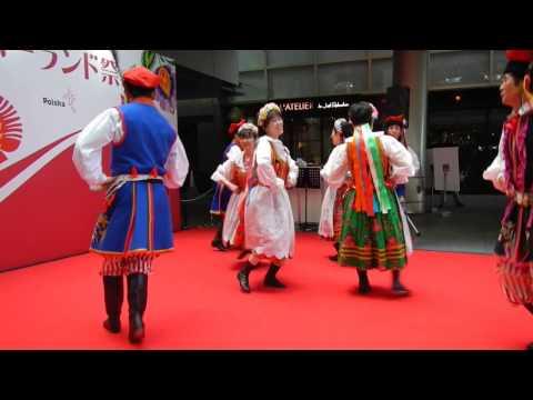 polski-taniec-ludowy-w-wykonaniu-zespolu-z-japonii