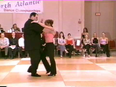 Został nazwany grubasem przez widownię. Ale gdy tylko zaczął tańczyć, wszystkim opadła szczęka!