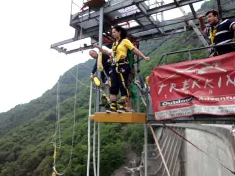 Switzerland Bungee jumping Verzasca Dam