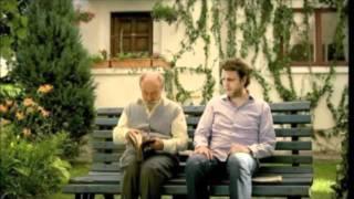 Krzyczał na ojca na ławce w parku. Wszystko zmieniło się w jednym momencie…