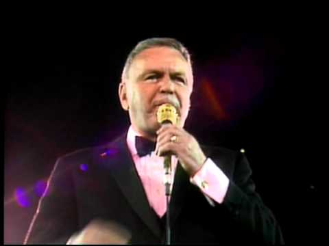 Frank Sinatra - Lady Is A Tramp