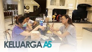 Video Keluarga A5: Ashanty dan Aurel Ribut di Dapur - Episode 1 MP3, 3GP, MP4, WEBM, AVI, FLV Mei 2018