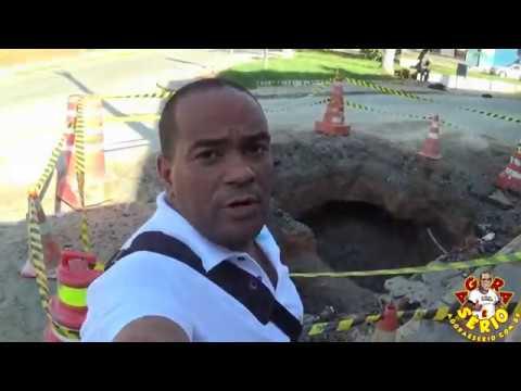 Sabesp faz buraco gigante na Avenida Nossa Senhora Aparecida