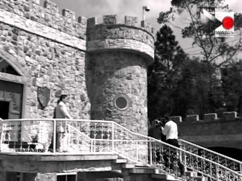 A melhor retrospectiva de casamento diferente: Tiago e Claudia no Monte Castelo
