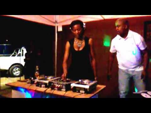 DJ WARONA – SOUTH AFRICA'S PRINCESS OF HOUSE MUSIC (FEMALE DJ)