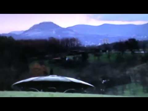 Real UFO With Aliens Caught On Camera – Dec. 6, 2013 / Remix
