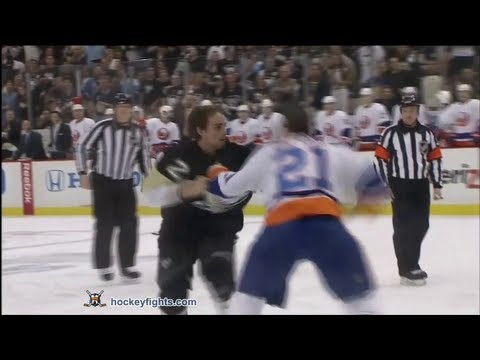 Kyle Okposo vs Matt Niskanen May 3, 2013 - YouTube