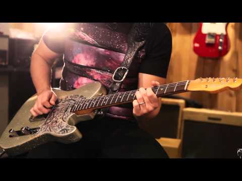 brad - Brad Paisley hung out at our Nashville Guitar Center and gave us this awesome demo of his custom