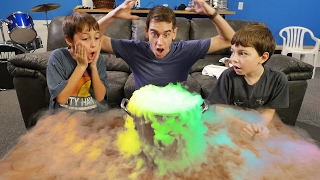 CRAZY HILARIOUS DRY ICE EXPERIMENT!