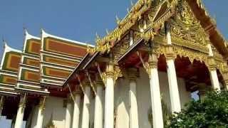 バンコク市内観光ワットラーチャブラナ